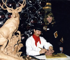 Jeff Wolf Sculpting at a Fundraising Event